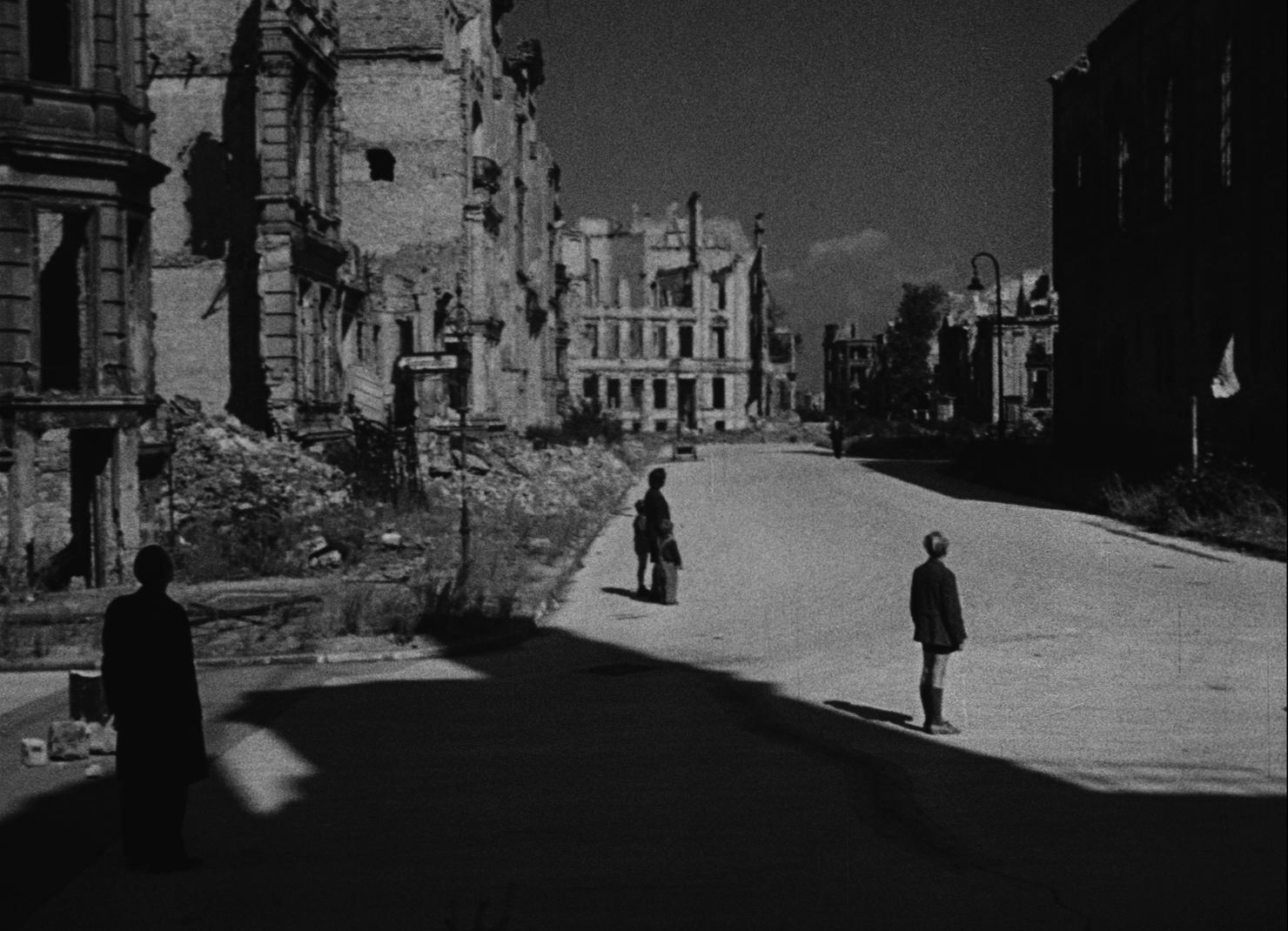 the subtle use of propaganda and the aesthetics of neorealism in germania anno zero a film by robert Ferdy on films film post navigation ← previous next → paisan (paisa', 1946) / germany, year zero (germania anno (if not more subtle) way than the use.
