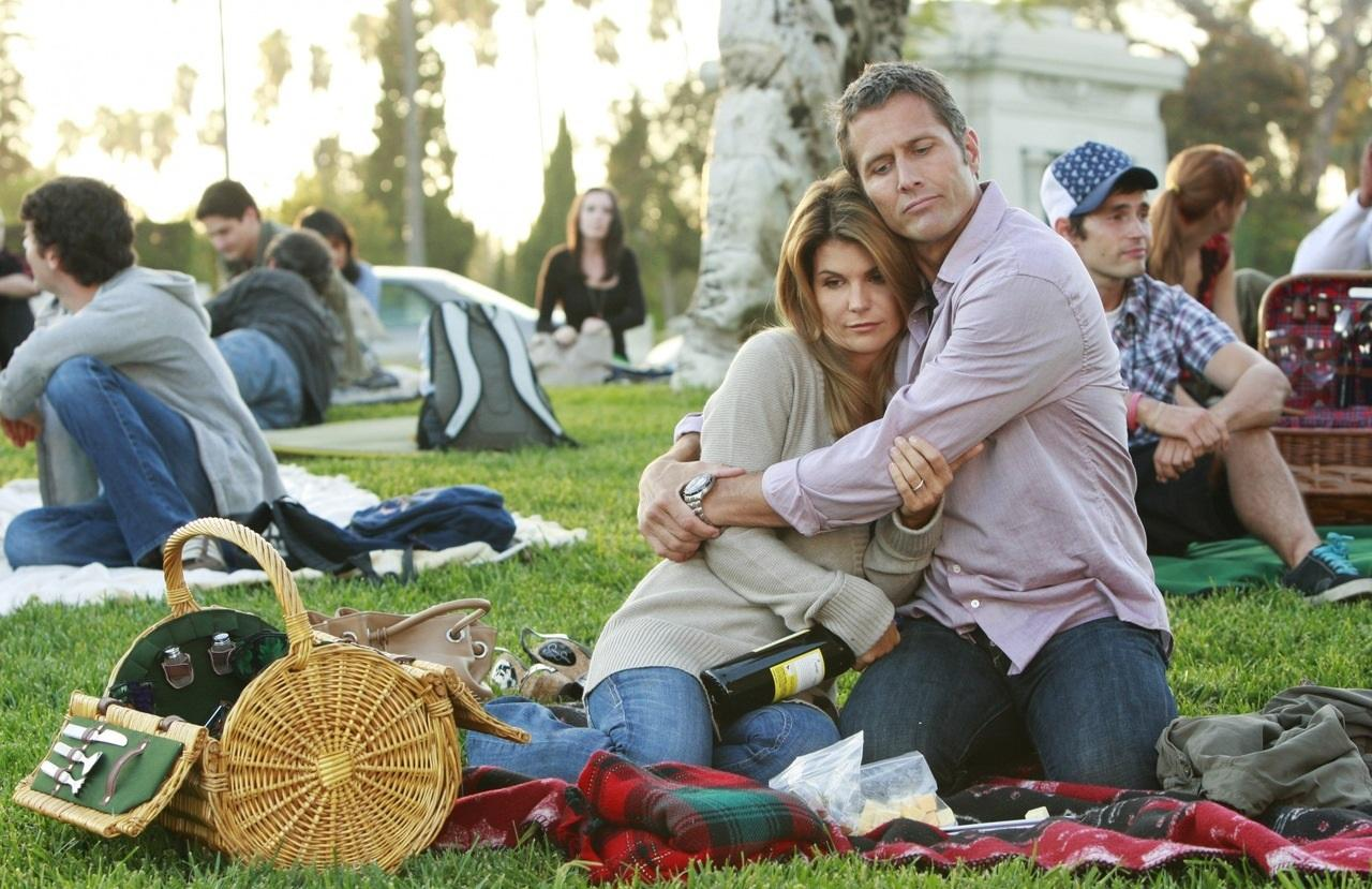 90210 and quality television program The beverly hills, 90210 franchise comprises the ongoing timeline and shared characters that link the american television series beverly hills, 90210 melrose place models inc 90210 and the 2009 version of melrose place.