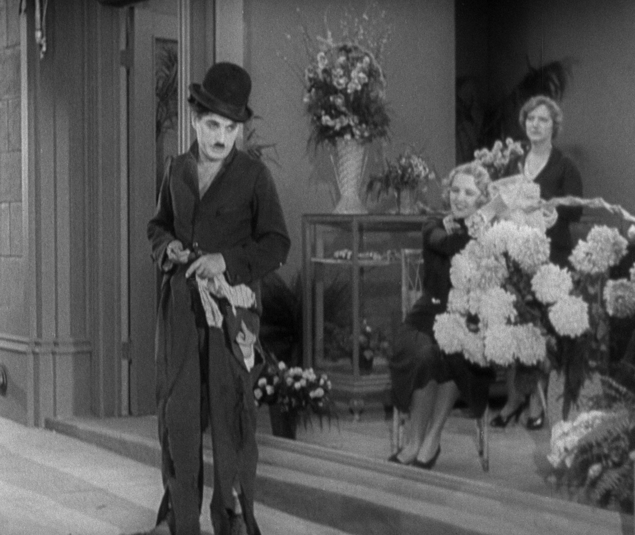 a comparison of two 1930s movies city lights by charlie chaplin and trouble in paradise by ernst lub What's really going on in hollywood by  into television programs and movies    the two groups shared a  in comparison to the disproportionate attention.