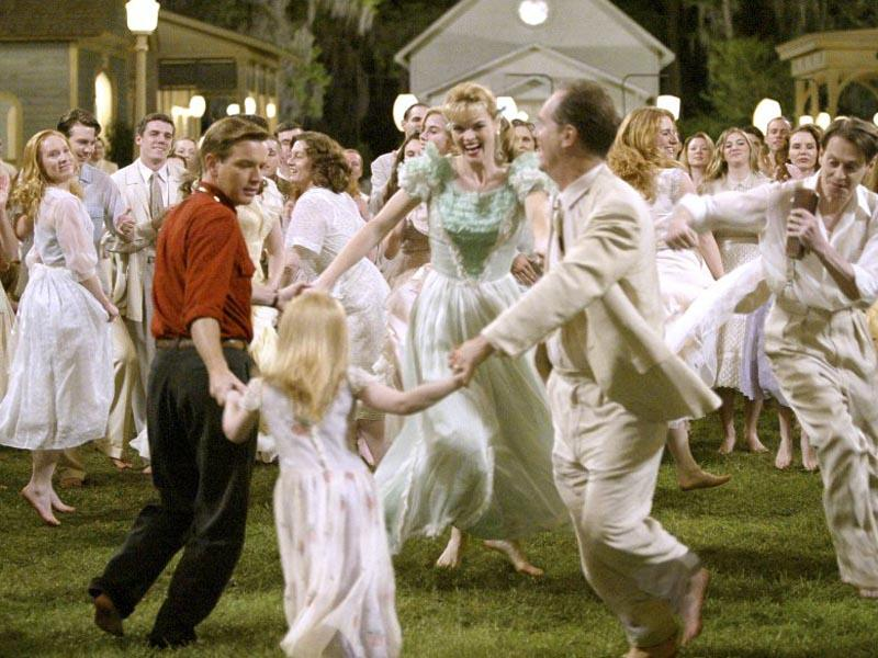 reality and fantasy in the movie big fish The director speaks of freaks, f/x, and fantasy don't use the word imagination around director tim burton – it gives him the creeps it reminds me of when i was at disney, he says.