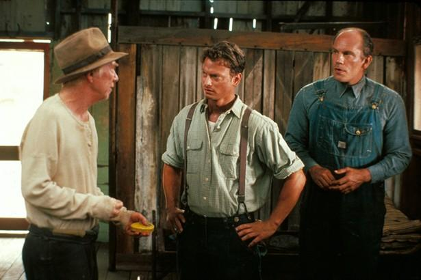 an analysis of mice and men movie In the movie george never hesitated to shoot lennie movie differences 4 in the movie, curley's wife had never come inside the barn when lennie, candy and crooks were talking movie differences 5 in the movie, when curley attacked lennie, slim had never said anything about jumping in and fighting curley himself of mice and men.