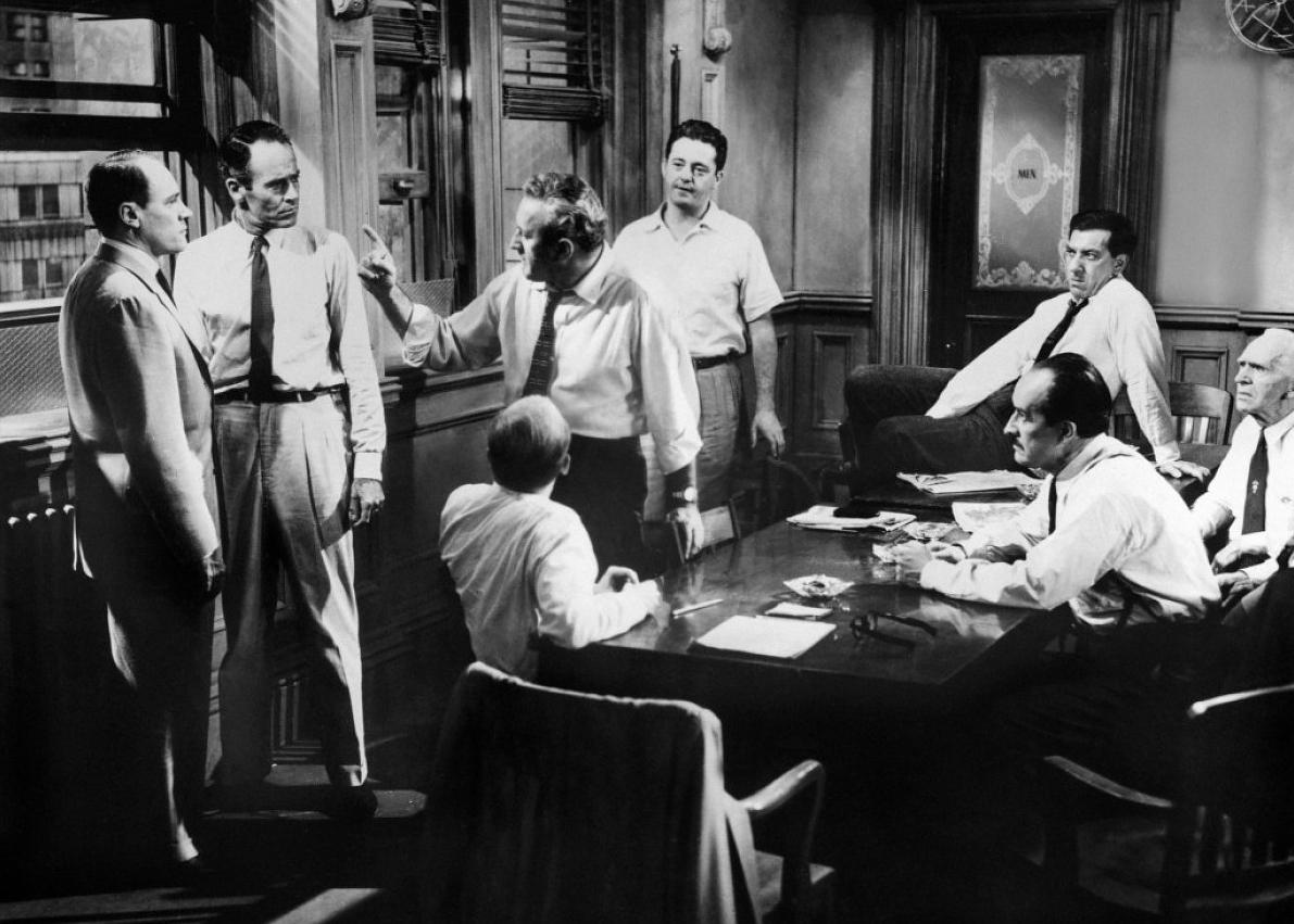 12 angrey men 1 Drama, uncategorized director: sidney lumet starring: billy nelson, eg marshall, ed begley and others the defense and the prosecution have rested and the jury is filing into the jury room to decide if a young spanish-american is guilty or innocent of murdering his father.