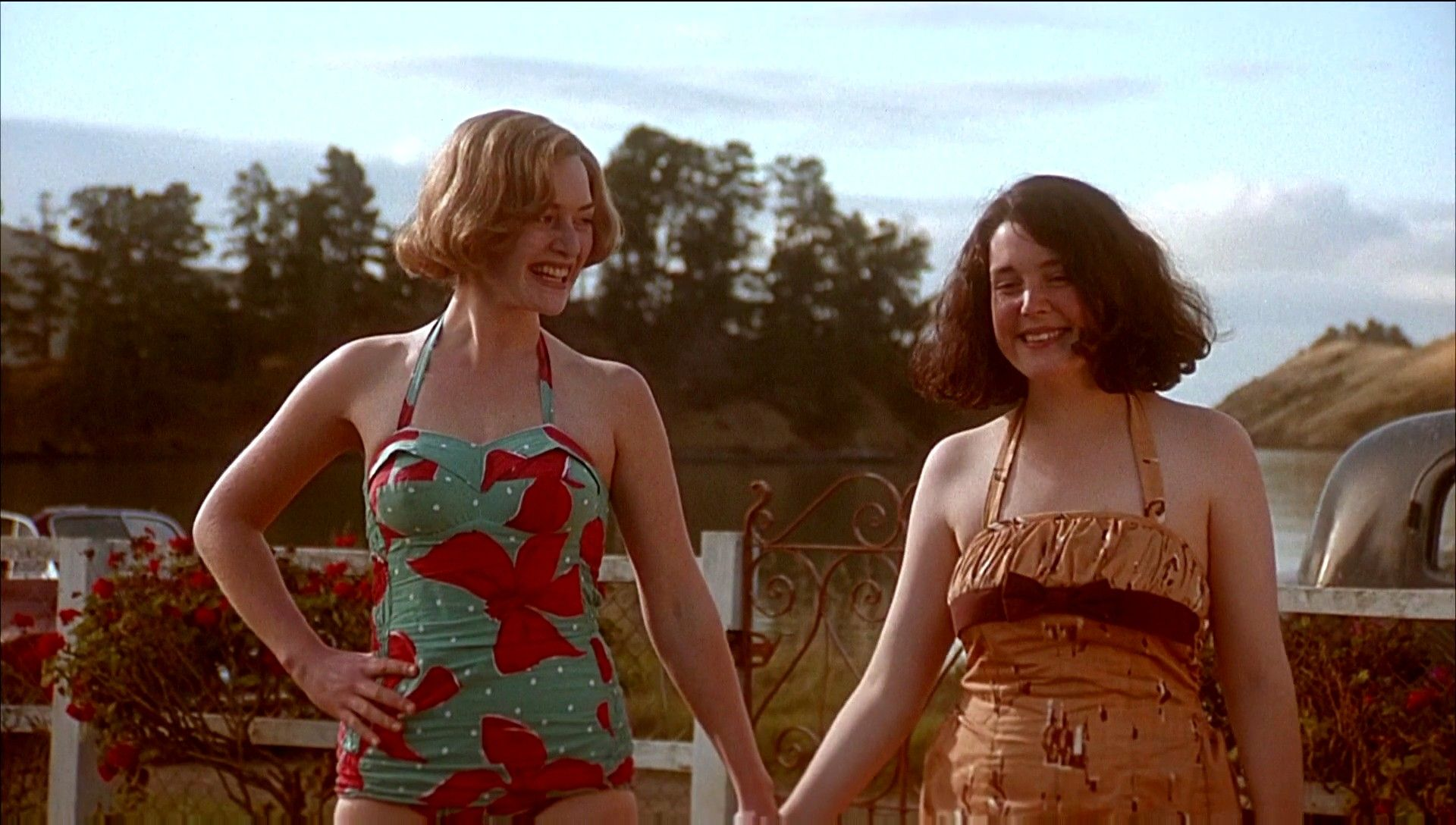 an analysis of the movie heavenly creatures directed by peter jackson It's directed by peter jackson having read a bit of the case outside of what this movie peter jackson did a remarkable job on heavenly creatures when.