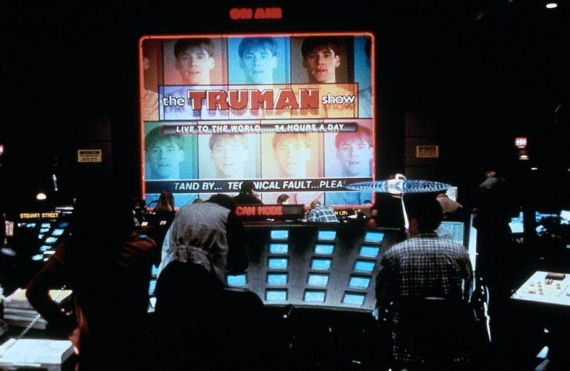 "an analysis of the topic of the human psyche in the movie the truman show Daedalic's ""state of mind"" approaches the topic in a different, more philosophical way guns and body mods aren't the order of the day rather, ""state of mind"" is a narrative adventure that considers how far the human race will go to trade dystopia for utopia."