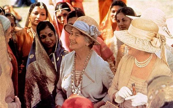 cultural misunderstanding in a passage to india 380 indian vs british cultural aspects in e m forster's a passage to india oana-andreea pîrnuţă abstract the present study analyses the dichotomy between the indian and british cultural aspects in e m.
